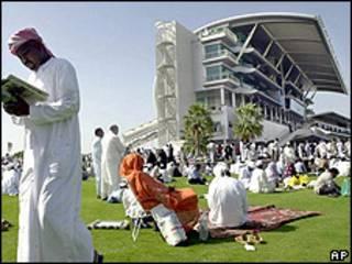 Hipódromo en Dubai (foto de archivo, 2002)