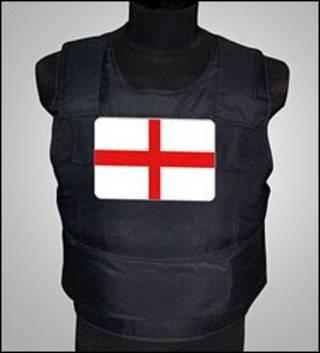 Бронежилет с английским флагом