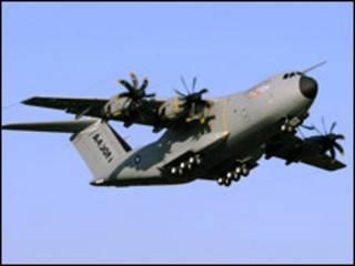 A400M під час випробувального польоту