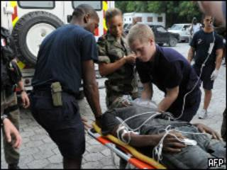 Спасение пострадавшего на Гаити