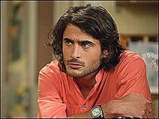 Actor que representa a Syed Masood.