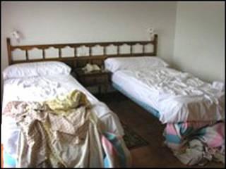 肮脏的酒店房间