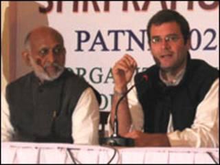 राहुल गांधी ने शिवसेना को आड़े हाथों लिया था