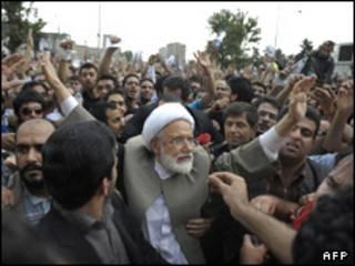 کروبی در تظاهرات