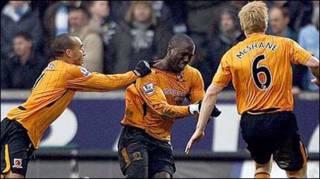 Các cầu thủ Hull ăn mừng (Getty)