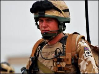 नैटो सैनिक