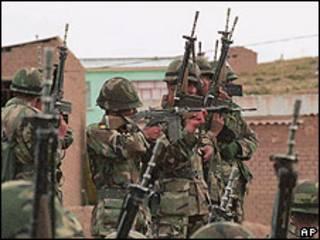 Soldados bolivianos. Foto de archivo