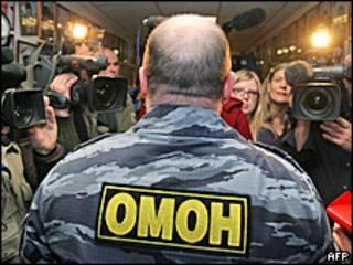 Заместитель командира ОМОН Петр Смирнов