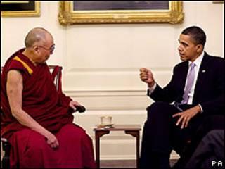 El Dalai Lama (izq.) y Barack Obama