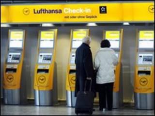 У стойки регистрации Lufthansa