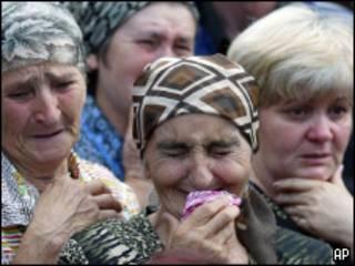 Плачущие женщины Беслана