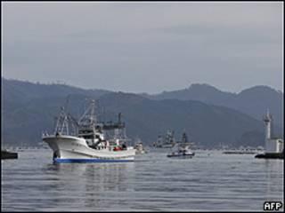 Barcos regresan a puerto en Japón