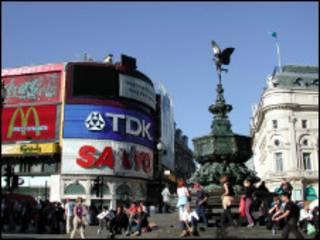 伦敦皮卡迪利广场(Piccadilly Circus)