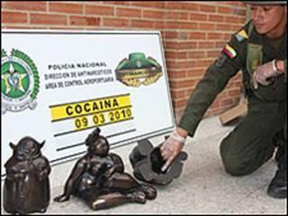Policía colombiana incauta droga dentro de réplicas de Botero. Foto cortesía: Policía Nacional de Colombia