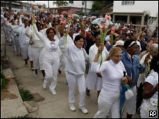 Женщины в белом