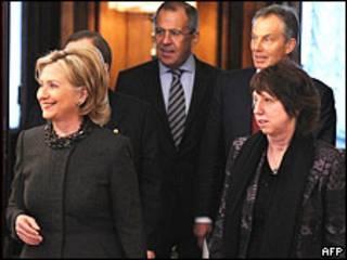 Ngoại trưởng Mỹ Hillary Clinton; Sergei Blagov, Nga; Catherine Ashton, EU; tổng thư ký LHQ Ban KiMoon và ông Tony Blair