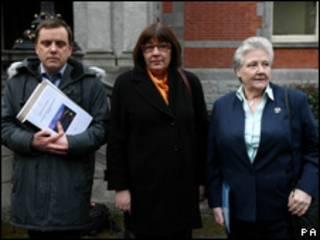 Andrew Madden, Maeve Lewis y Marie Collins sufrieron abusos por parte de la Iglesia Católica de Irlanda