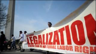 Марш за права иммигрантов-нелегалов в Вашингтоне