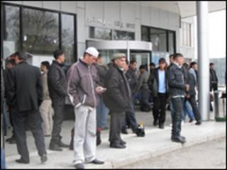Толпа мигрантов