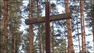 Крест на могиле поляков в Медном, Тверская область