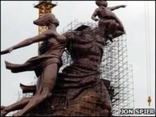 Estátua no Senegal