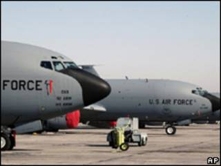 Aviones en base de EE.UU. en Kirguistán