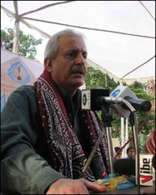 سینٹر رضا ربانی کراچی پریس کلب