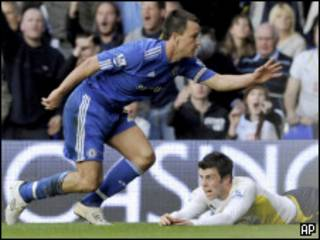 John Terry durante jogo do Chelsea