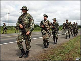 Efectivos militares paraguayos