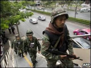Exército tailandês ocupa partes de Bangcoc