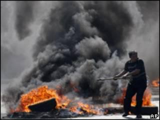 Violência na rua de Bangcoc