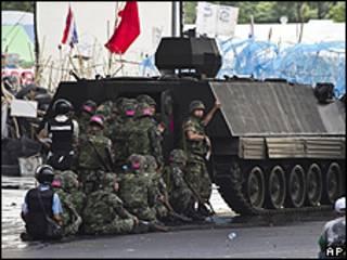 Soldados em Bangcoc