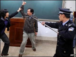 Полицейские учения по противодействию нападающим