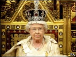 Королева в Палате Лордов на открытии парлиментской сессии