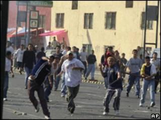 Enfrentamiento de residentes de Tepito con la policía (foto de archivo)