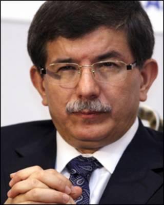 O ministro das Relações Internacionais turco, Ahmet Davutoglu