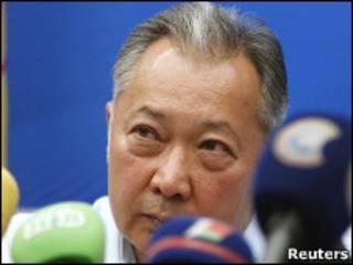 Изгнанный президент Киргизии Курманбек Бакиев проводит пресс-конференцию в Минске 14 июля 2010 года