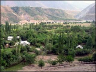 На границе Таджикистана и Киргизии