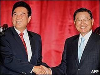 Los negociadores chino y taiwanés del tratado comercial entre ambos países