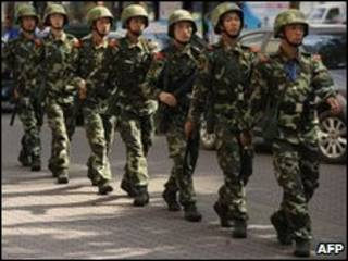 Tuần tra tại Urumqi
