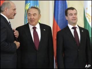 Александр Лукашенко, Нурсултан Назарбаев и Дмитрий Медведев