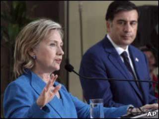 Клинтон и Саакашвили