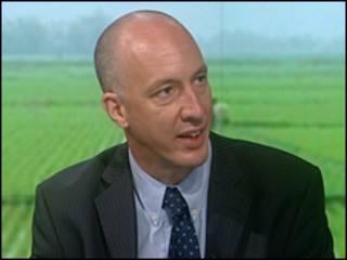 Đại sứ Mark Kent trên BBC World News 7/2010