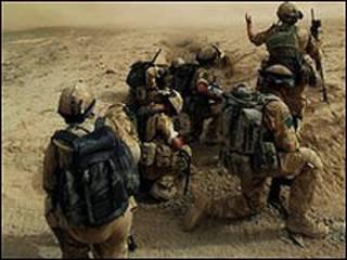संगीन में ब्रितानी सैनिक