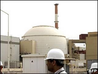 Иранский ядерный реактор в Бушере