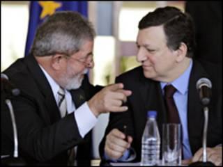 O presidente Luiz Inácio Lula da Silva e o presidente da Comissão Europeia, José Manuel Durão Barroso, durante cúpula nesta quarta-feira (Foto: Ricardo Stuckert/PR)