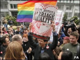 Однополые браки в Калифорнии