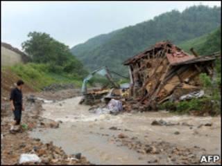 Наводнение в Китае вблизи границы с КНДР