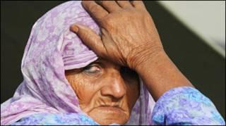बाढ़ पीड़ित हिंदू महिला