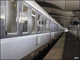 Trem na estação Gare d'Austerlitz, em Paris/AFP
